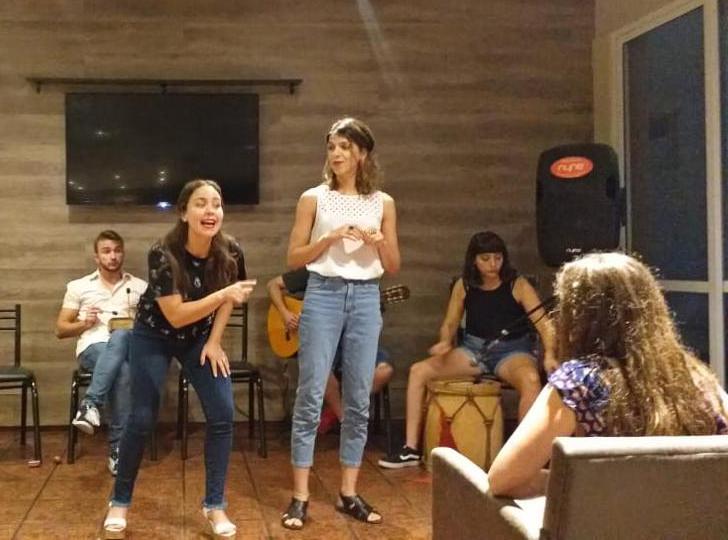 Un espectáculo que combina mitos, leyendas y canciones se presenta en Casa Padilla